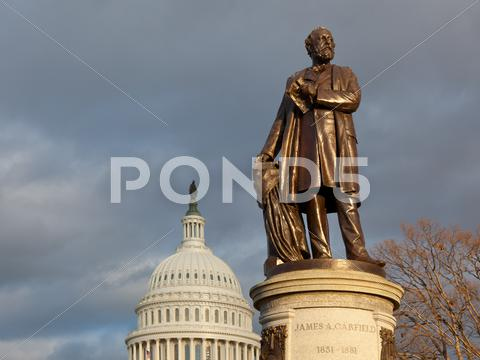 Stock photo of garfield monument and capitol