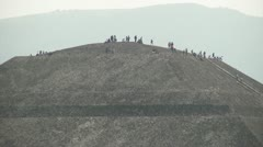 Sun Pyramid Teotihuacan zoom out Stock Footage
