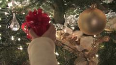 Finding a gift rack focus Stock Footage
