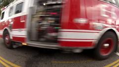 Paloauto läpi punainen light.MP4 Arkistovideo