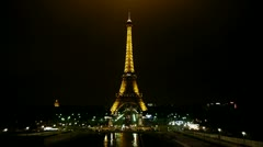 Eiffel tower by night, classic view Stock Footage