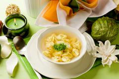 Tortellini in bouillon Stock Photos