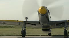 Aircraft, P51 Mustang idle medium Stock Footage