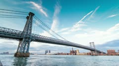 Williamsburg Bridge in NYC (slow push in) Stock Footage
