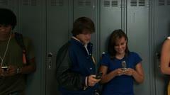 Panoraamaotosta lukiolaisista matkapuhelimiin Arkistovideo