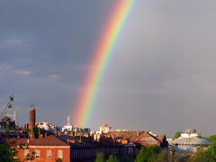 Rainbow multi väri kuva sininen taivas sateen luonto Kuvituskuvat