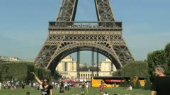 Zoom out eiffel tower, Paris Stock Footage