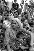 Women females womwn meeting in slum of ahmedabad Stock Photos
