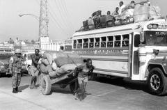 liikenteen katukuvassa Haiti people person musta - stock photo