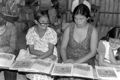 Adult literacy class san pedro honduras people Stock Photos