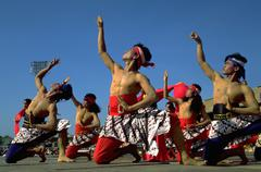 Party people dance indonesia solo java dancers Stock Photos