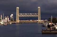 Vesi kuntosali Alameda kanavan silta ca Oakland Kuvituskuvat