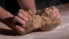 Saksan leipomo jarru tuoretta leipää höyryllä Arkistovideo