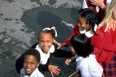 Tyttö child kid koululaisten kids hymyilevä poika Kuvituskuvat