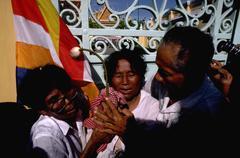 Kukka people ryhmä protestoivat protestin lippu Penh Kuvituskuvat