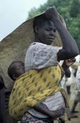 South sudan mother child kid displaced people Stock Photos