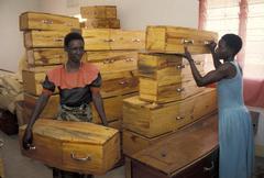 Tansania arkku Musoma aids children kids kuolema Kuvituskuvat