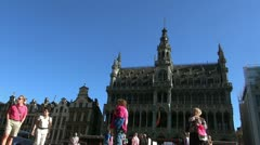 Detail of roof and gold statues on roof of maison  in grand place Stock Footage
