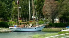 Private sailboat Stock Footage