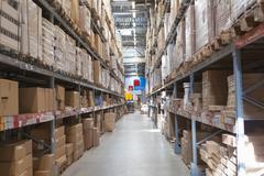 Varasto varastointi vähittäiskaupan kauppatavaraa myymälä. Kuvituskuvat