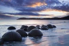 Moeraki boulders new zealand Stock Photos
