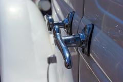 Kromi ovenkahvat antiikki auto Kuvituskuvat