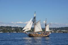 The ketch, hawaiian chieftain, sails on lake washington Stock Photos
