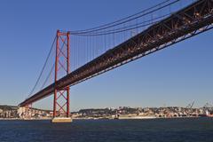 lisboa, ponte de 25 april - stock photo