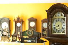 Vanha antiikki kellot Kuvituskuvat