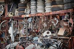 Tarpeettomia metal trash dump Kuvituskuvat