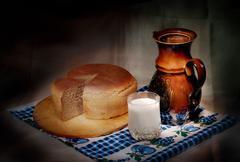 Maitoa ja leipää Kuvituskuvat