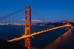 Golden gate bridge by night in san francisco Stock Photos
