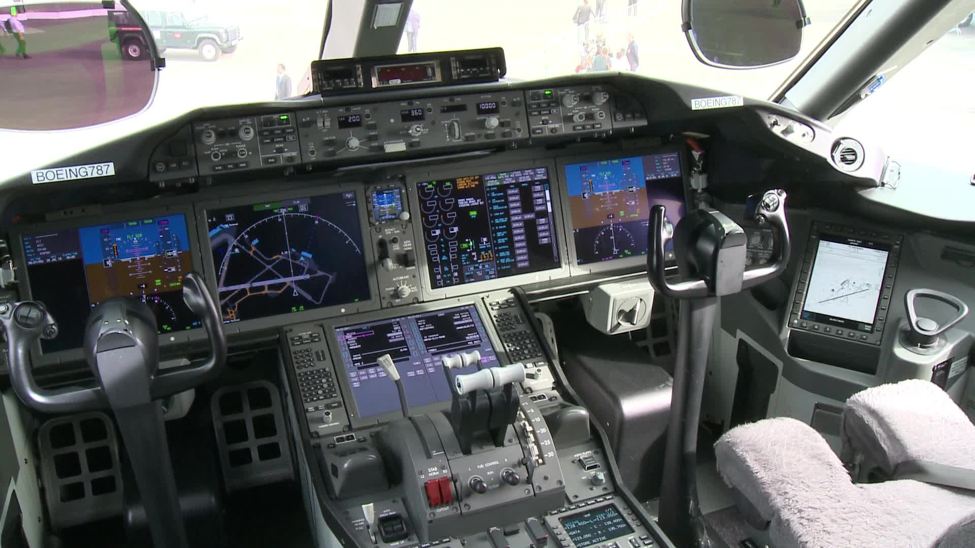 Boeing 787 Cockpit Video Clip 12281817 Pond5
