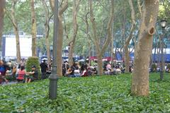 Bryant park is an oasis of tranquility Stock Photos