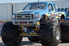 Monster truck pakkomielle Kuvituskuvat