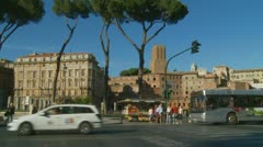 Rome tourists, crossing a road Stock Footage