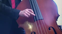 Playing kontrabasso 1 Arkistovideo