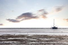 Perhe kierretty purjevene laskuveden Kuvituskuvat