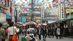 Seoul Market Street, Cheap Namdaemun Market, Asian Shop, Shoppers, South Korea Stock Footage