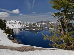wizard island, crater lake national park - stock photo