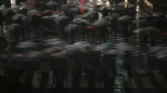 Shibuya Crossing, Tokio, Japani, Night väkijoukkoja, Umbrella, Mansoon, Rain Vii Arkistovideo
