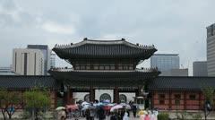 Seoul Geunjeongmun, Geunjeong Gate, Gyeongbokgung Palace Korea time lapse Stock Footage