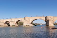 Puente de piedra in zaragoza Stock Photos