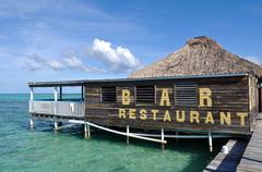 Restaurant bar on the ocean water Kuvituskuvat