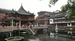 Yuyuan Garden,Yu Yuan Park, Old town in Shanghai, China, Tourists visiting Stock Footage