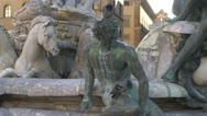 Fountain in Florence, Italia.Neptun.Pigeon Stock Footage