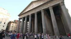 History & culture, Rome Pantheon and tourists, wide angle Stock Footage