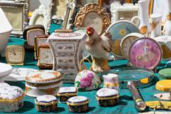 Porcelain at a flea market Stock Photos