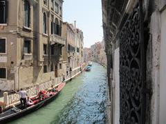 Canale a Venezia - gondola Stock Photos