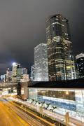 Liikenteen hong kong yöllä Kuvituskuvat